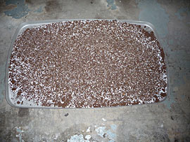 Mixing up perlite, vermiculite & peat moss